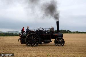 مسابقه شخم زدن زمین با موتورهای بخار