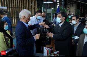 بازدید وزیر میراث فرهنگی از نمایشگاه صنایع خلاق و فرهنگی
