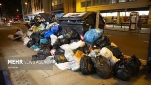 کوه زباله ها در خیابان های انگلستان
