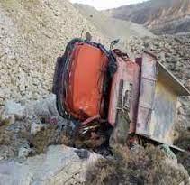 سقوط خودروی سنگین در دره مسیر سمنان-مازندران