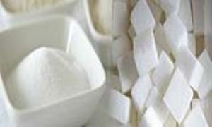 تغذیه/ قند یا نمک خوردن، کدامیک شما را زودتر گرفتار بیماری میکند؟
