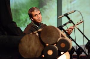 عیادت مدیرکل دفتر موسیقی از آریا عظیمینژاد