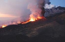 آلمانیها کاوشگر فضایی خود را در فعالترین آتشفشان اروپا آزمایش میکنند