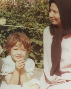 چهره ها/ عکس قدیمی بازیگر سریال «دختران حوا» در کنار مادرش