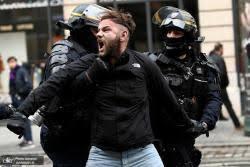 از شعار «زندهباد اسد» در خیابانهای پاریس تا کشیده شدن اعتراضها به مونتهنگرو