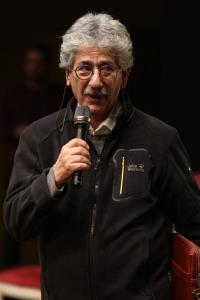 آقای حکایتی: قصهگویی باید به پادگانها و کارخانهها هم برسد