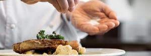 چرا خوردن غذا را بهتر است با نمک شروع کنیم؟