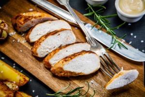 آیا میدانستید گوشت سفید هم کلسترول را بالا میبرد؟