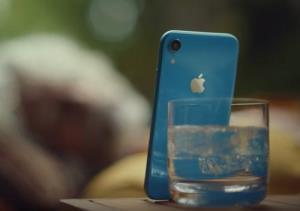 تبلیغ جالب Face ID اپل برای تنبلها