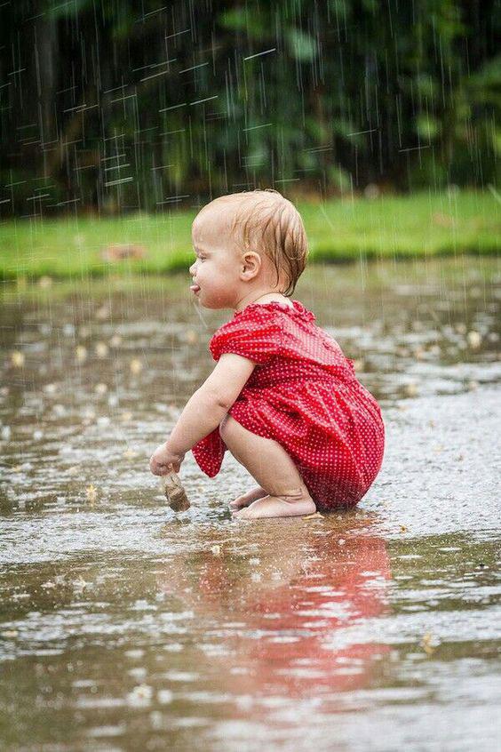 ایده های عکاسی از کودک در هوای بارونی