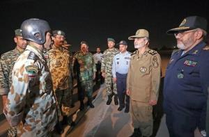 حضور سرزده فرمانده ارتش در جمع چتربازان تیپ 55 هوابرد