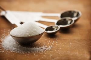 مصرف بیش از حد نمک با بدنتان چه میکند؟