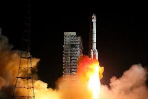 اولین پرتاب جدیدترین راکت فضایی چین با شکست روبهرو شد