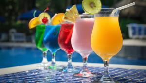 این نوشیدنیها کلسترول افراد مسن را بالا میبرند