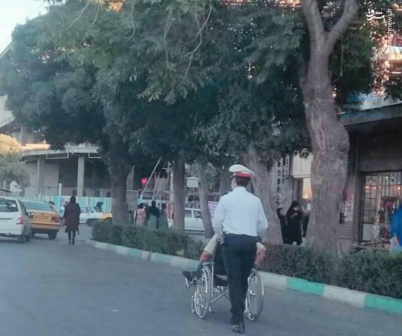 اقدام ارزشمند پلیس مهربان در باغ ملی اراک
