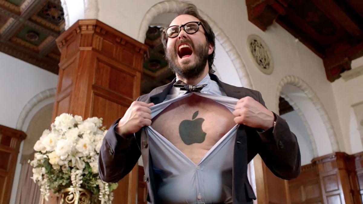 ارزش اپل از ۲ تريليون دلار عبور کرد