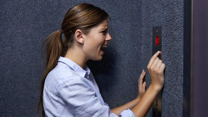 برای غلبه بر ترس از آسانسور چکار کنیم؟