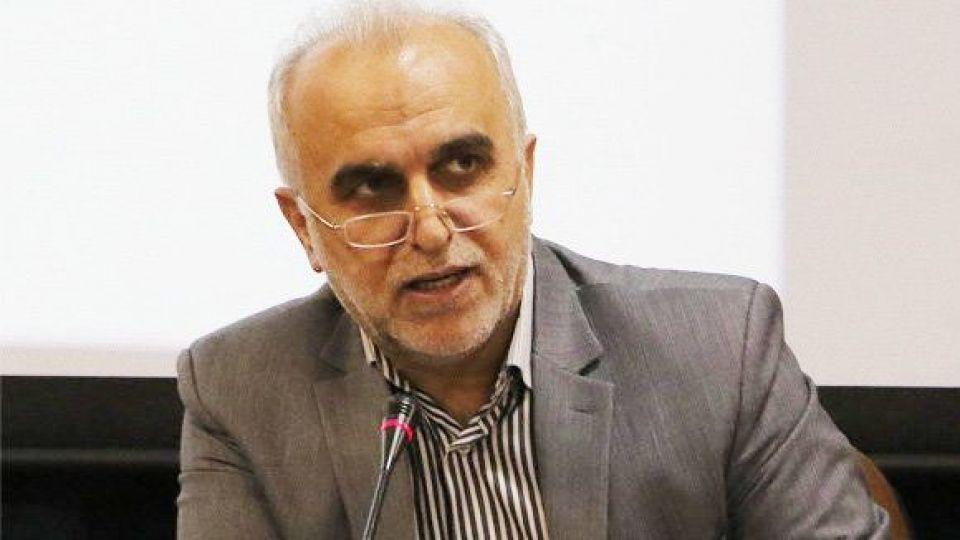 واکنش وزير اقتصاد به ادعاي دستکاري دولت در بورس