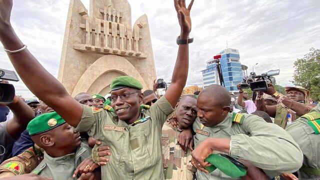آمريکا همکاري نظامي با کشور مالي را به حالت تعليق درآورد