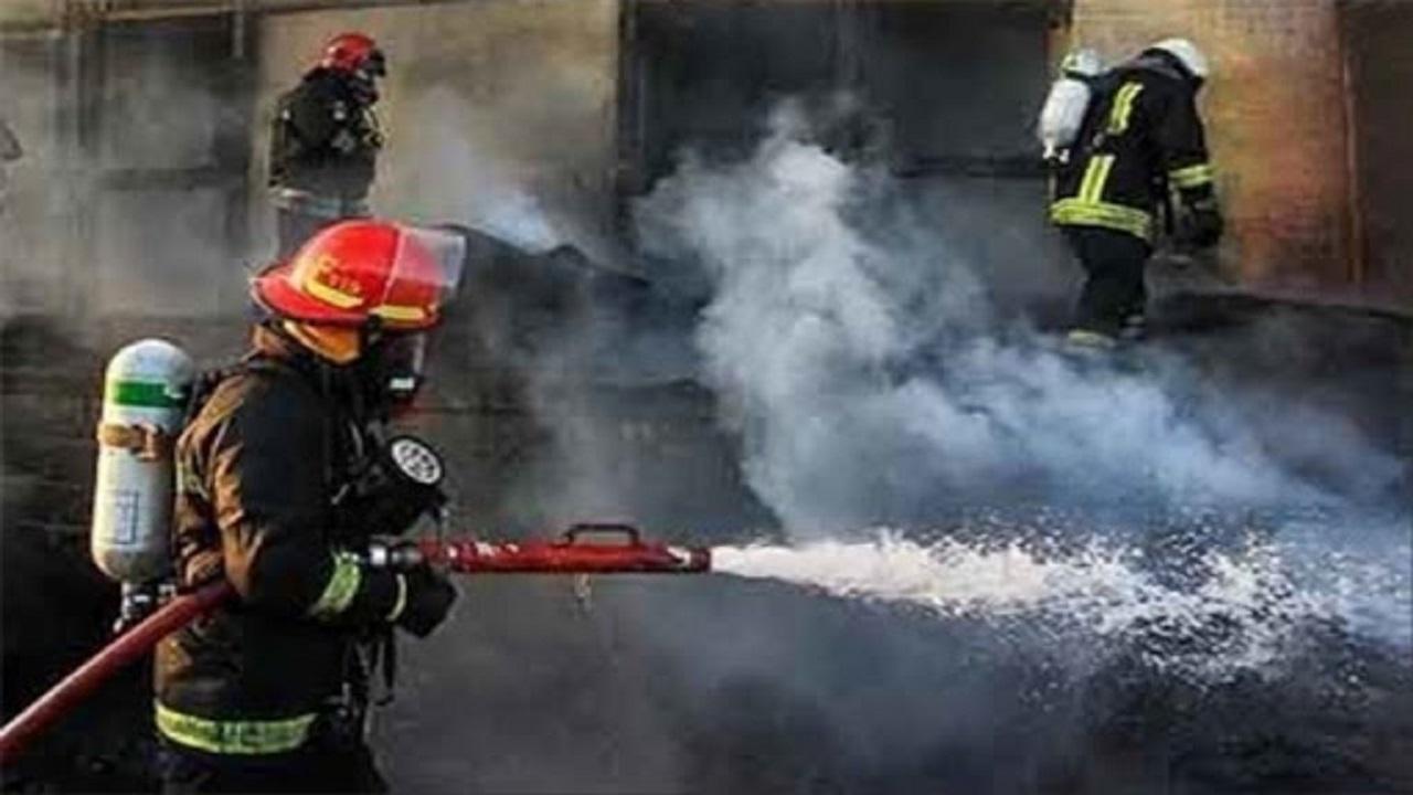 مهار آتش سوزی در انبار علوفه یک دامداری در نیشابور