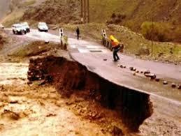 سيل، جاده اهر- هوراند را تخريب کرد