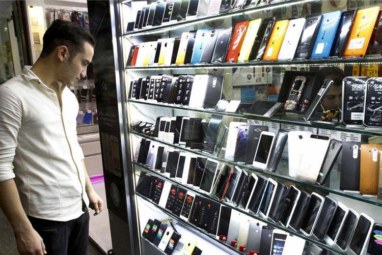 قیمت موبایل حباب ندارد/ بازار تلفن همراه در آرامش!