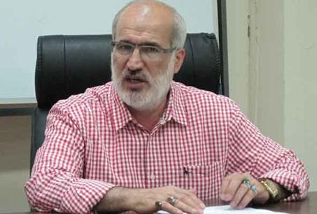 عزیز محمدی: چه کسی مدیران پرسپولیس و استقلال را بازخواست میکند؟