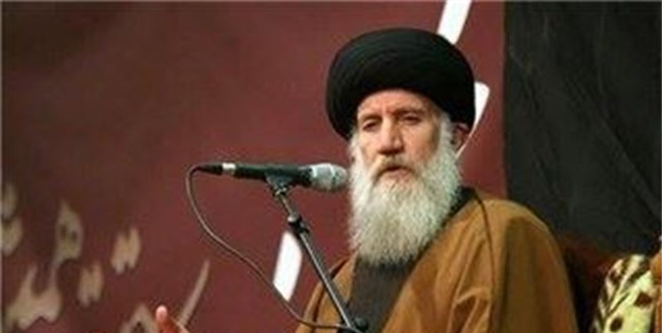 نماینده رهبر انقلاب از آیتالله فاطمینیا عیادت کرد