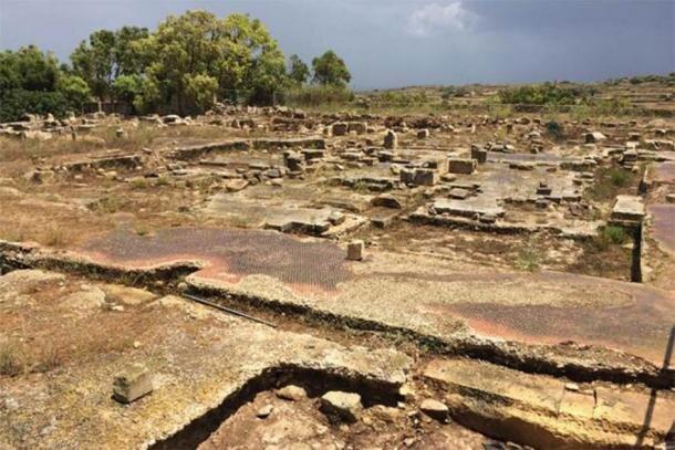 کشف یک معبد باستانی زیر یک خانه روستایی