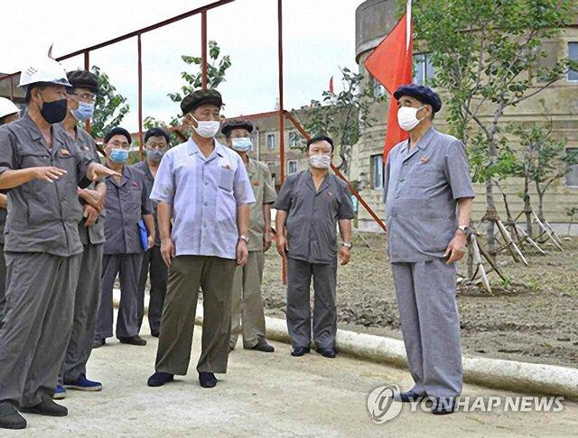 بازدید نادر مقامات کره شمالی از پروژههای اقتصادی