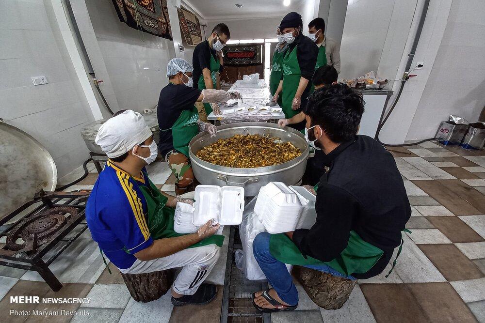 اطعام حسینی هیئت دانشجویی در ایام محرم