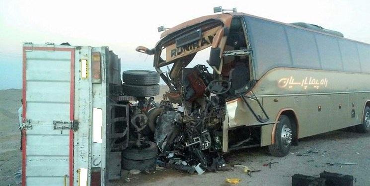 تصادف اتوبوس و کامیون در گردنه قامشلو فاجعه آفرید