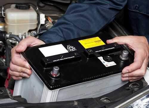 چگونه بفهمیم عمر باتری خودرو رو به اتمام است؟