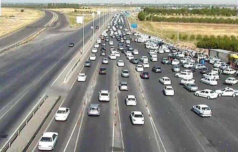 ترافیک خودروها در خروجی مشهد پرحجم شد