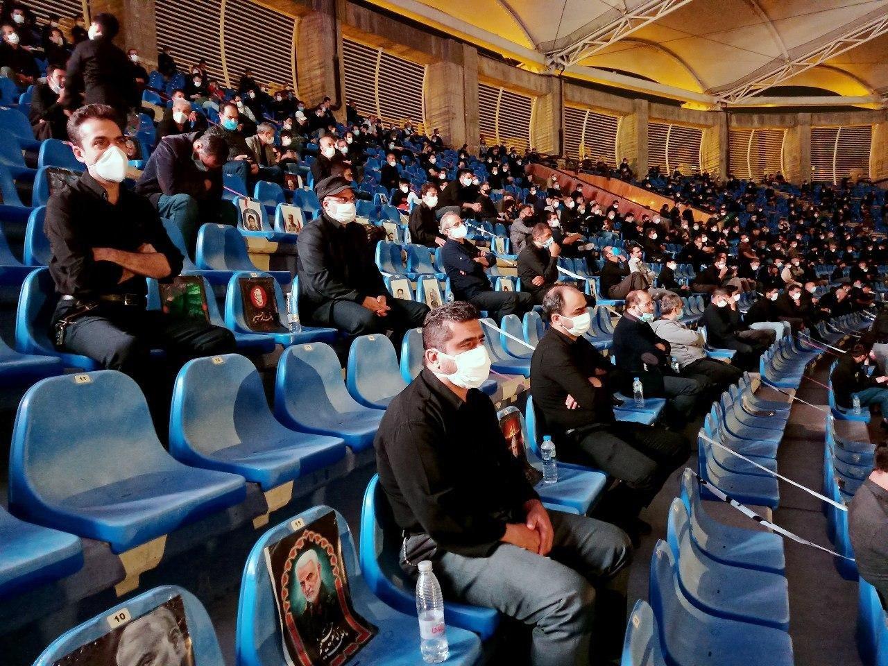 عکس/ عزاداری عاشقان حسینی در ورزشگاه امام رضا (ع) مشهد