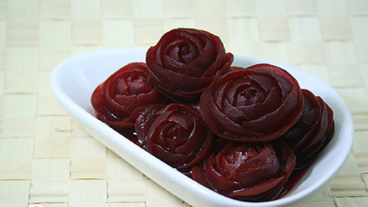 طرز تهیه مربا چغندر به شکل گل رز