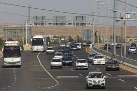 تصاویر ورودی اتوبان تهران - قم در شروع تعطیلات