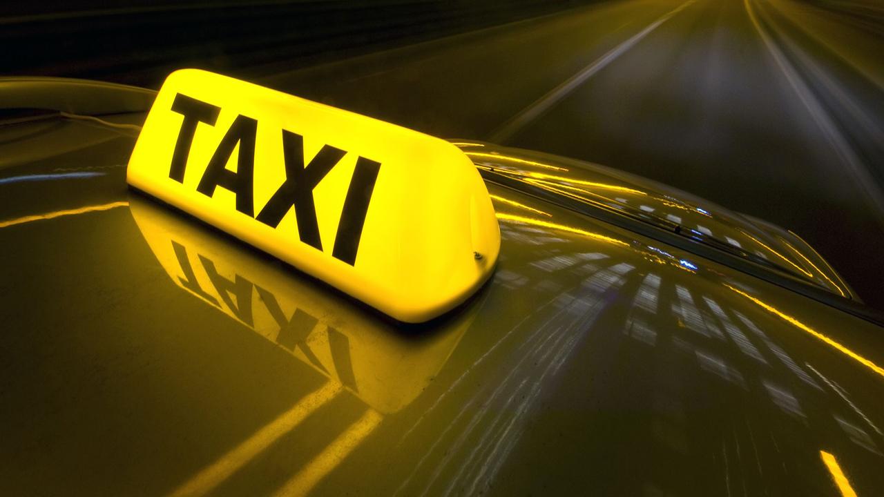 تجهیز همه تاکسیهای شیراز به سیستم کرایه غیرنقدی