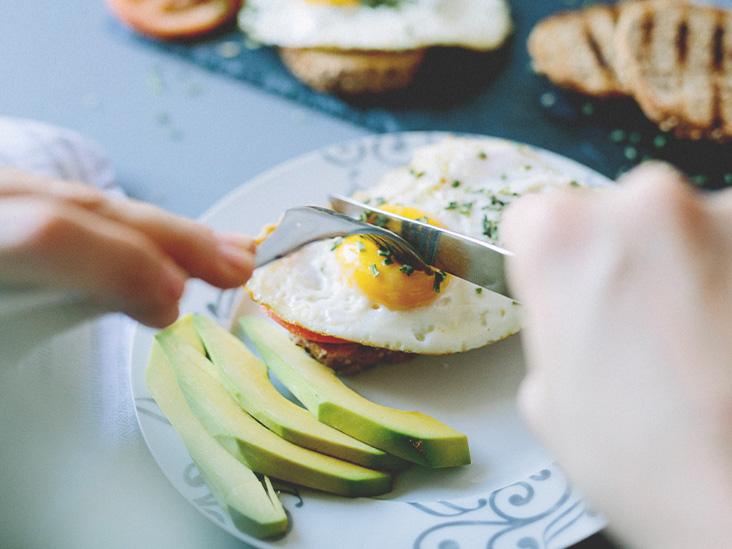 ۸ نشانهی شایع کمبود پروتئین در بدن شما