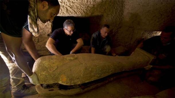 کشف ۱۳ تابوت مهر و موم ۲۵۰۰ساله در مصر