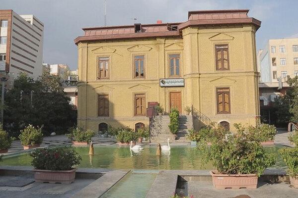 تماشای عمارت فخرالدوله از قاب دوربین «تهرانگرد»