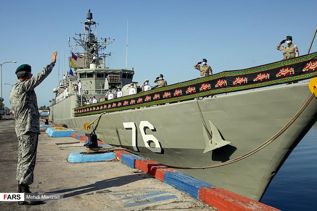 احترام نظامی از روی کشتی به امیر دریادار سیاری