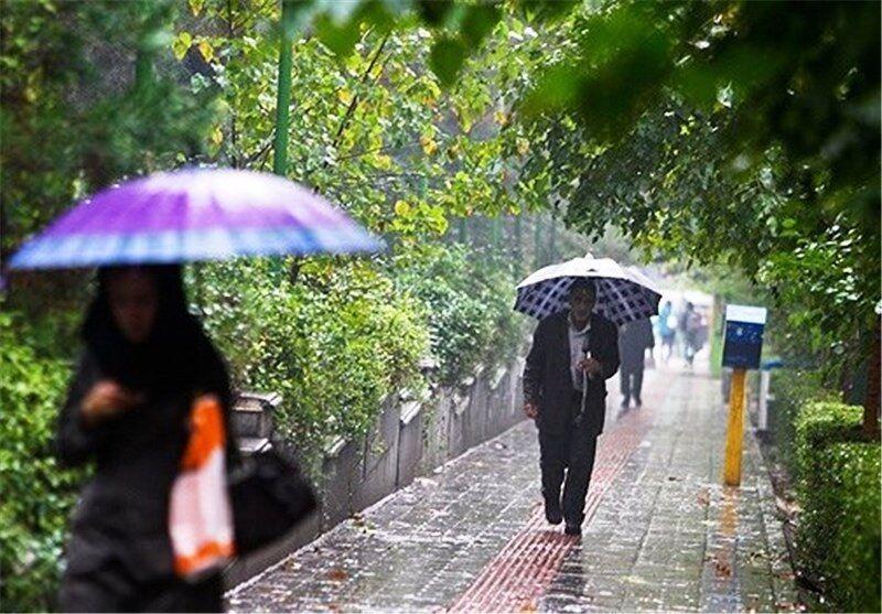 احتمال بارش پراکنده باران در آذربایجان غربی وجود دارد