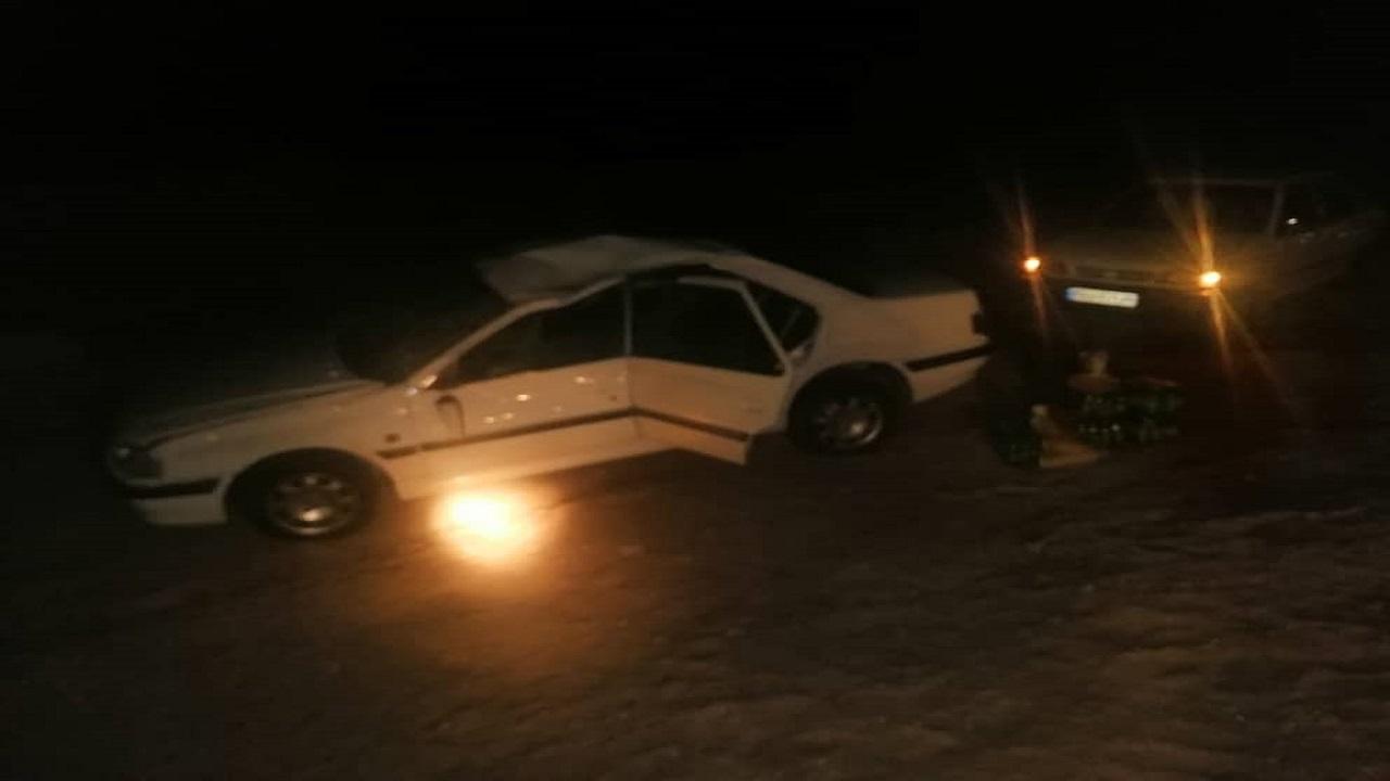 واژگونی خودروی پژو پارس در محور اردکان-چوپانان