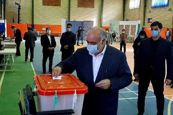 ۱۳ هزار گلستانی رأی خود را داخل صندوق انداختند