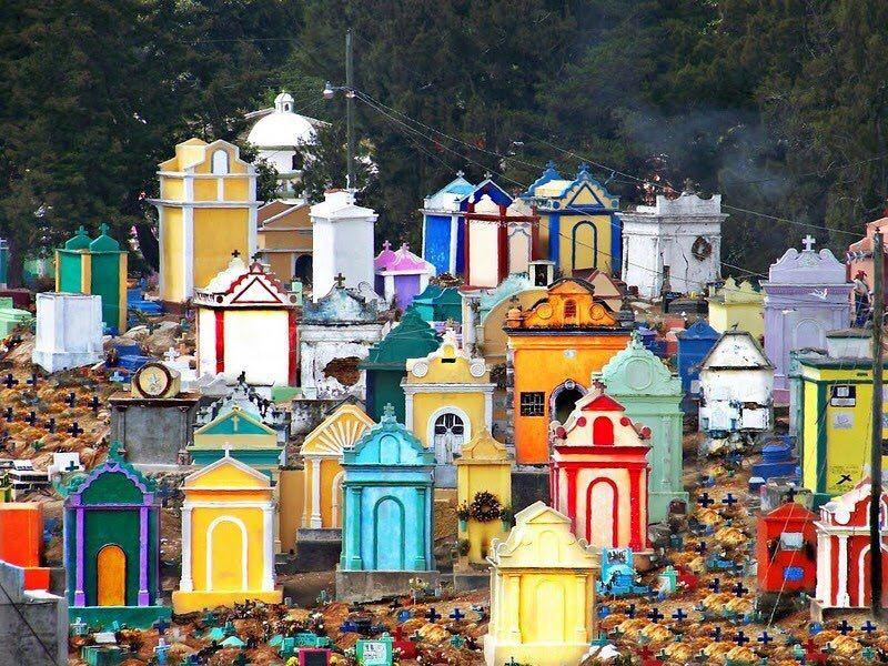 گورستانهای رنگی در گواتمالا!