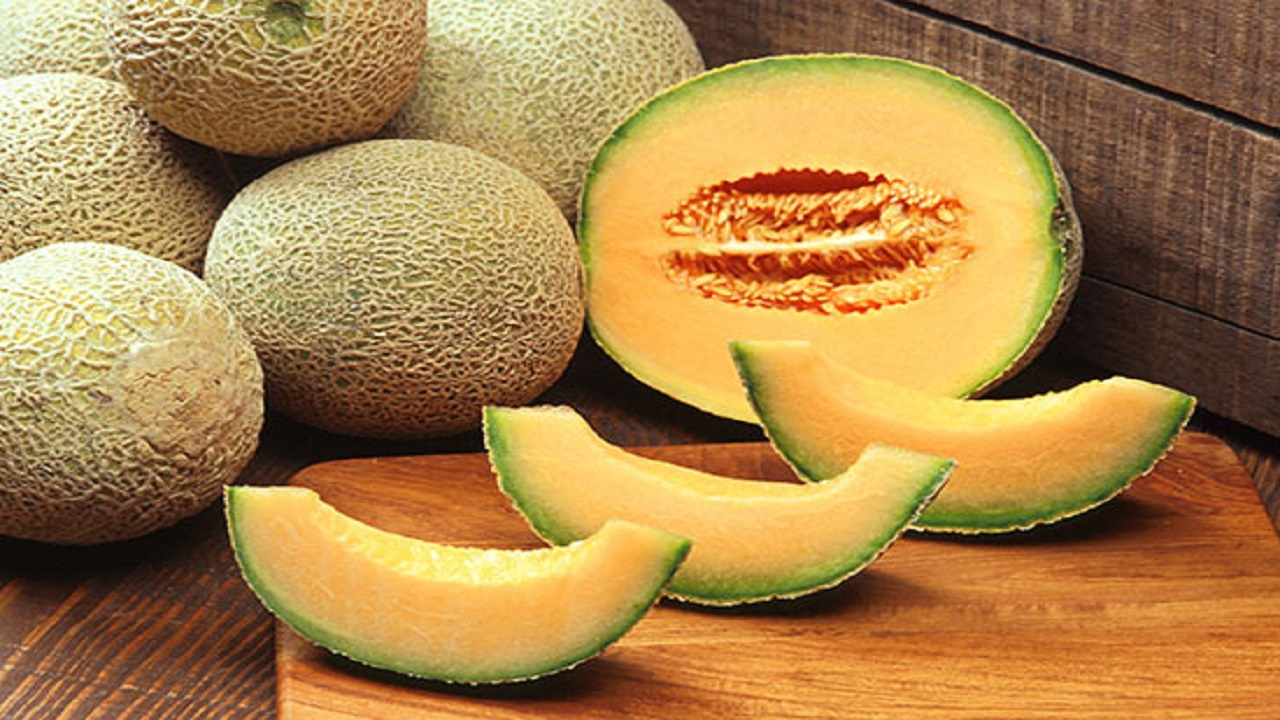 آب بدنتان را با مصرف این میوه تامین کنید
