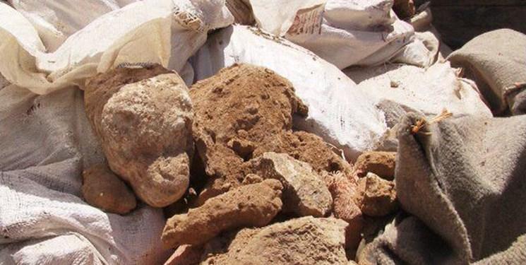 کشف حدود 20 تن سنگ معدنی سرب قاچاق در اسفراین