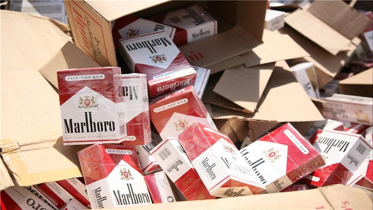 محموله ۷۰ هزار نخی سیگار خارجی قاچاق در مهاباد کشف شد