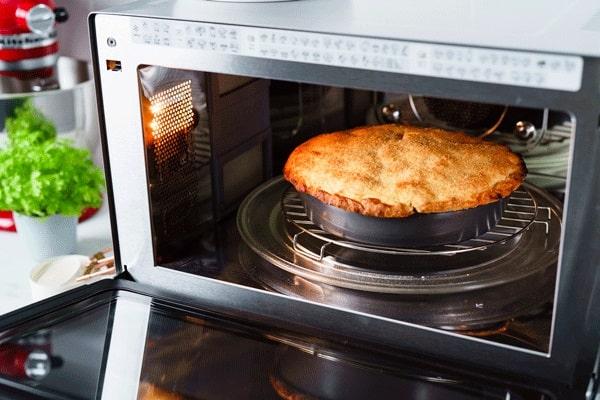 روش پخت کیک در مایکروفر معمولی و کانوکشن